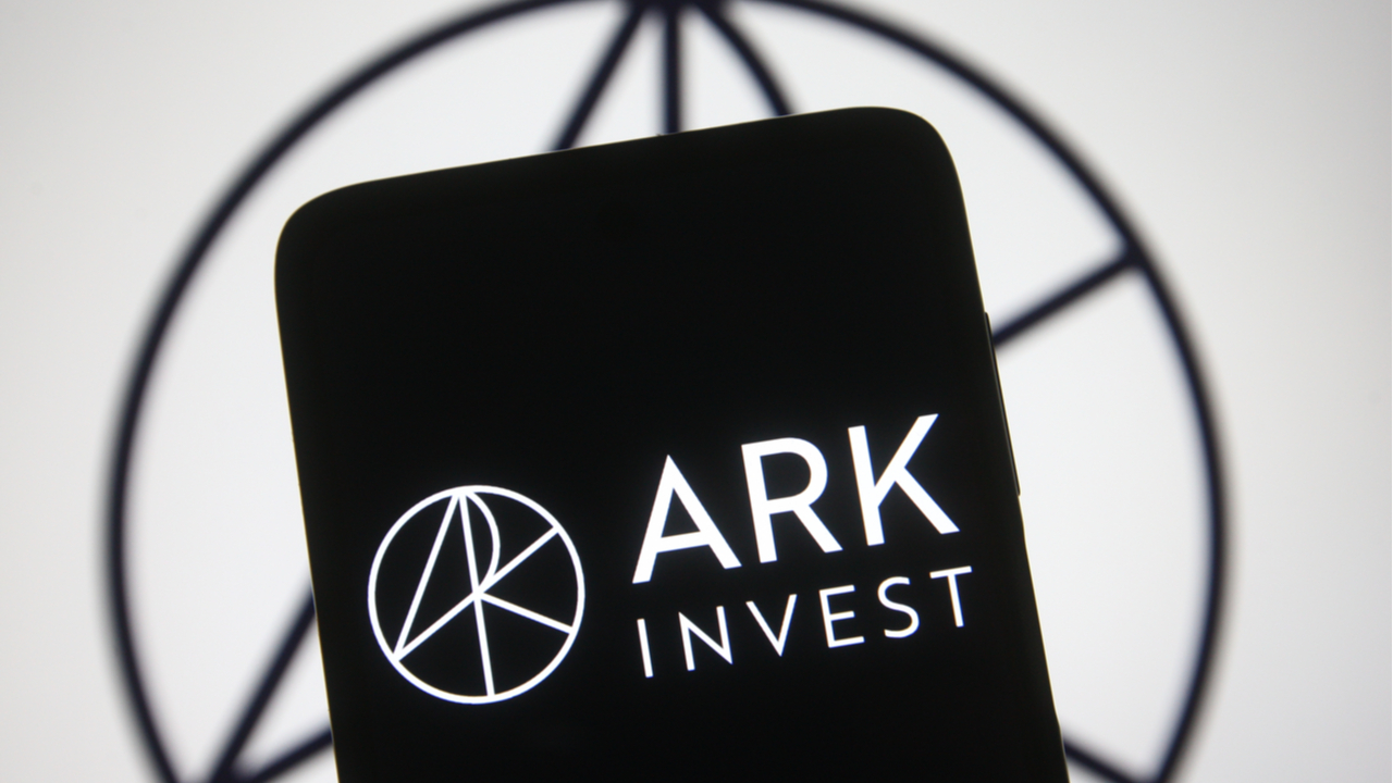 Cathie Wood Bought the Dip: Ark Invest Purchases One Million GBTC Shares