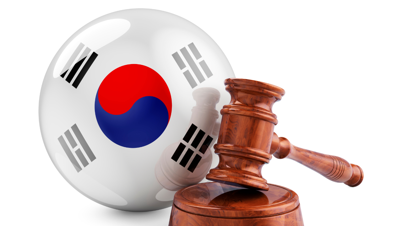 Korean Crypto Exchanges Consider Suing Government Over Banking Requirements