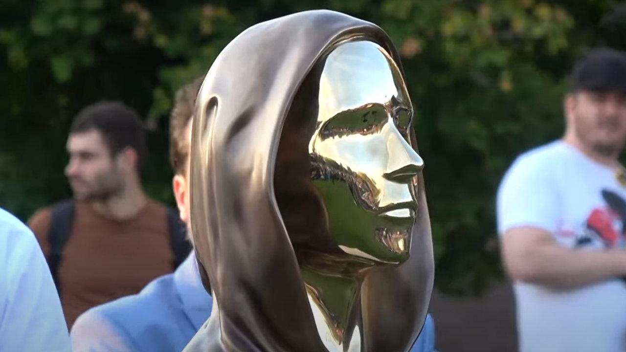 We Are All Satoshi: Statue of Bitcoin Creator Satoshi Nakamoto Unveiled in Hungary